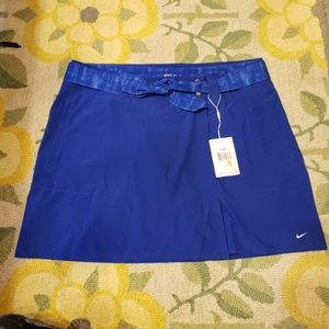 Nike womans convertable golf skirt to shorts NWT